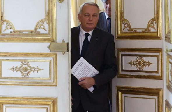 19 décembre 2013 : communiqué de presse d'Alain Avello, secrétaire général du Collectif Racine: Et c'est la République qu'on renie un peu plus chaque jour !